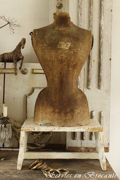Brocante, déco vintage brocante campagne, ancien mannequin
