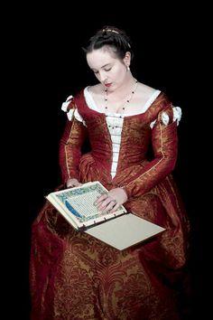 Another realm of venus masterpiece, venetian style gown. Italian Renaissance Dress, Renaissance Fair Costume, Medieval Costume, Renaissance Clothing, Renaissance Fashion, Historical Costume, Historical Clothing, Venetian Costumes, Celtic Dress