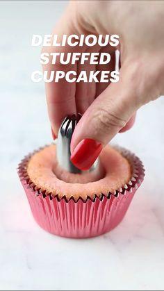 Fun Baking Recipes, Cupcake Recipes, Sweet Recipes, Dessert Recipes, Cake Decorating Frosting, Cake Decorating Designs, Cute Desserts, Delicious Desserts, Yummy Food