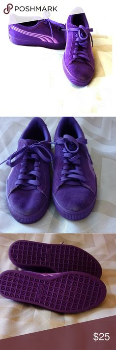 👑GIRLS PUMA'S 👟👟👟👟👟 Suede Classic Badge PS Purple Puma's 💜💜.  New condition well taken care of no wear on bottom sole but is signs of scuff marks on top of goes as shown in pictures,  FAST SHIPPING 💌💌 BUNDLE-N-SAVE more💲💲💲 💥 💥💥.   ACCEPTING OFFERS 💋💋💋💋💋 Puma Shoes Sneakers