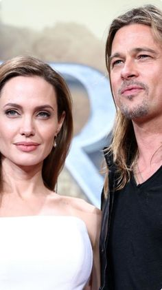 The FIRST photos of Angelina Jolie's wedding gown are here! Angelina Jolie Wedding, Brad Pitt And Angelina Jolie, Hello Gorgeous, First Photo, In Hollywood, Cute Couples, Truths, Wedding Gowns, Spirituality