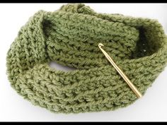 LOOPSCHAL schnell und einfach häkeln - YouTube Crochet Scarves, Neck Warmer, Knit Patterns, Sewing, Knitting, Blog, Veronika Hug, Lana, Decor