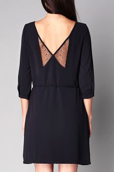 Robe navy détail dentelle Tania Marine Clo&Se by MonShowroom sur MonShowroom.com