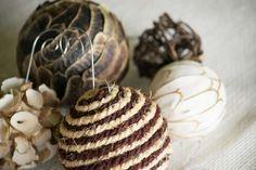 Decorazioni natalizie con lo spago Vegetables, Food, Christmas Ornaments, Fantasy, Xmas, Essen, Vegetable Recipes, Meals, Yemek