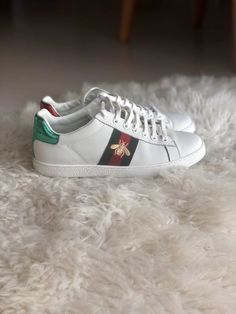 Womens Gucci Ace Sneakers Bee - New without box size IT 38   US 8.5   a668c39619