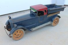 ANTIQUE Vintage Pressed Steel Dayton Schieble Packard Car Dump Truck Tin Toy. LARGE 19 Inches Long...c1920s/30s.
