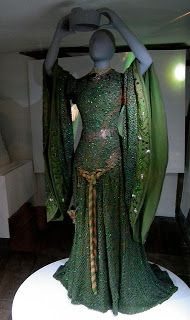 Experiments in Elegance: Brave's Queen Elinor Stole Ellen Terry's Macbeth Dress