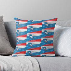 Appropriez-vous votre espace avec des coussins originaux, aux couleurs vives. Imprimé de chaque côté de l'œuvre de votre choix. La housse de coussin 100 % polyester filé est douce et résistante (peut être achetée avec le coussin de garnissage en polyester). La fermeture éclair est dissimulée pour un aspect impeccable et un entretien facile. Polyester, Throw Pillows, Boutique, Zipper, Outer Space, Slipcovers, Interview, Colors, Toss Pillows