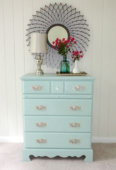How to paint laminate furniture in 3 easy steps! Amazing tips! for the credenza in the breakfast room. Love the color