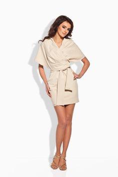 Rafinovanépuzdrové šaty s mega šálovým golierom, s opaskom a dávkou originality:-)Šaty sú v minidĺžke z mäkučkého bavlneného úpletu s prímesou elastanu.  Dodanie cca 5-10 pracovných dní
