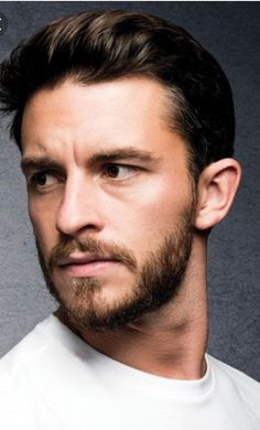 Jonathan Bailey born 25 April 1988 is an English actor best known for the ITV drama Broadchurch the BBCs Leonardo as a young Leonardo da Vinci and the Ch Beautiful Boys, Gorgeous Men, Beautiful People, Moustache, Jonathan Bailey, Historical Tv Series, Dream Cast, Mr Right, Face Photo