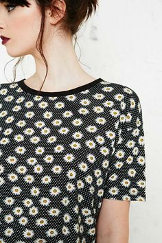 Cooperative Daisy Print Crop Tee in Black at Urban Outfitters
