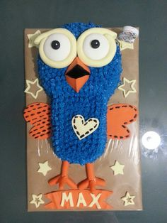 So incredibly proud of my little boys Hoot cake from Giggle and Hoot #2yearold #hoot #cake