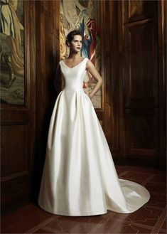 Elegant wedding dress. Ignore the soon-to-be husband, for the time being lets focus on the bride-to-be whom thinks about the wedding as the greatest day of her life. With that basic fact, then it is certain that the wedding gown has to be the best.