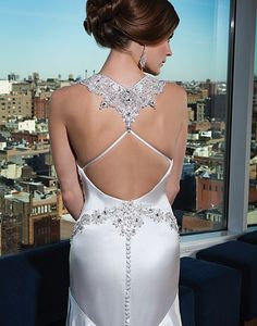 Detailed Back Of Hand Beaded Charmeuse Fit N Flare Justin Alexander Gown European Wedding Dresses, Different Wedding Dresses, Wedding Dress Styles, Bridal Dresses, Wedding Gowns, Gatsby Wedding, Backless Wedding, Wedding Ceremony, Justin Alexander Signature