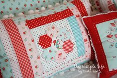 Hexiepillow - Applique Hexi then sew strips around in a log cabin formation to make a quilt block
