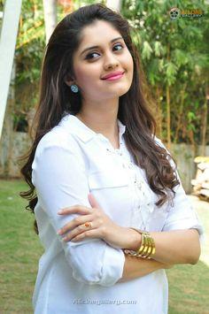 Surabhi Bollywood Actress Hot Photos, Actress Pics, Beautiful Bollywood Actress, Beautiful Indian Actress, Beautiful Actresses, Hot Actresses, Hollywood Actresses, Indian Actresses, South Indian Actress Photo