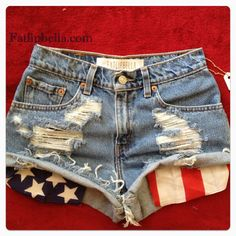 Vintage high waist or low rise distressed American flag pocket shorts 4th Of July Outfits, Summer Outfits, Cute Outfits, My Unique Style, My Style, Shorts With Pockets, Pocket Shorts, Hotpants Jeans, Passion For Fashion