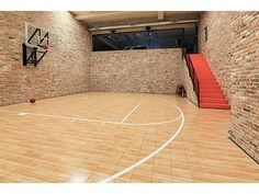 Jordan Spieth the garage is an indoor basketball court. Home Basketball Court, Basketball Room, Basketball Shoes, Basketball Scoreboard, Basketball Shooting, Basketball Players, Basketball Camps, Louisville Basketball, Sports Court