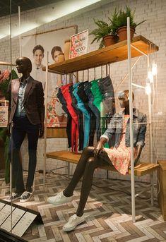 Retail Design — Springfield windows 2014 Spring, Budapest - Hungary