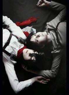 Rivamika love Levi x Mikasa Ackermans Shingeki No Kyojin Anime Attack on titan Cosplay Levi Ackerman, Mikasa Ackerman Cosplay, Eren E Levi, Eren X Mikasa, Couples Cosplay, Cosplay Outfits, Anime Couples, Cosplay Levi, Cosplay Anime