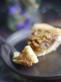 Canadian Maple Pie Recipe (Free From: gluten, dairy, eggs, oil, and refined sugar, and with a nut-free & grain-free option)