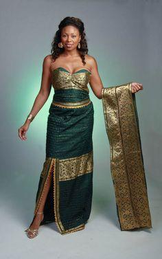 African Dress Designs   Beautiful Emerald color dress