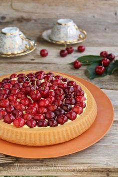 Torta alle ciliege e crema pasticcera