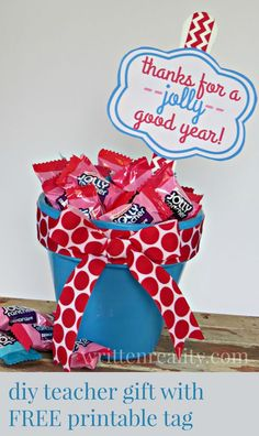 DIY Teacher Appreciation Gift with FREE printable label--say thanks for a JOLLY good year! {writtenreality.com} #TeacherGift #Printable