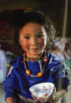 Tsatsa, eastern Tibet, photo by Matthieu Ricard - Photography Magazine World Photography, Children Photography, Amazing Photography, Portrait Photography, Photography Magazine, Beautiful Smile, Beautiful Children, Tibet, Photographie Portrait Inspiration