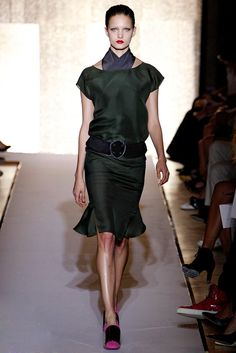 Saint Laurent Spring 2012 Ready-to-Wear Fashion Show - Nadine Ponce