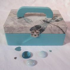 """Boite  """" gracieuses libellules """" ... Decorative Boxes, Creations, Cas, Home Decor, Gift Ideas, Handmade Gifts, Box Sets, Handmade, Everything"""