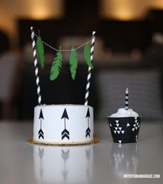 DIY: Decorate it yourself Smash Cake and cupcakes | Intentionandgrace.com black and white birthday cakes with edible paper cutouts for first...