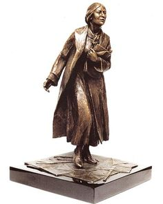 Model of the proposed statue of Sylvia Pankhurst Emmeline Pankhurst, the founder of the suffragette movement, and her eldest daughter . Sylvia Pankhurst, Emmeline Pankhurst, Socialism, Women In History, Statue, Campaign, Art Pieces, Bronze, Money