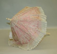Pink French parasol with white lace overlay, circa this might be old style, but it is cute Victorian Era Fashion, Edwardian Era, Vintage Fashion, Victorian Ladies, Steampunk Fashion, French Fashion, Gothic Fashion, Fashion Fashion, Lace Parasol