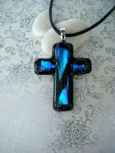Eplabiter - Glass art jewellery Kors kunstsmykke i glass Nr.324 http://epla.no/shops/elisabethsglassdesign/