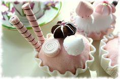 Крестики Lovsky: Пирожные из фетра.