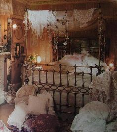 Romany Soup: Sumptuous dwellings!..So beautiful and romantic makes you forget how much dust would gather on everything