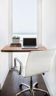 上に棚かサイドに埋め込み本棚等で収納スペースがほしい コンパクトでシンプルで開放感溢れるワークスペース | 住宅デザイン