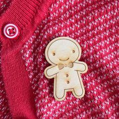Happy Wooden Cookie Brooch - Kawaii Gingerbread Man (8.00 GBP)