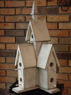 Birdhouse cathédrale