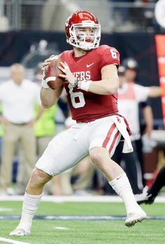 Why I believe Mayfield is the Browns' pick at 1 tonight - Trendy Events Oklahoma Sooners Football, College Football Players, Football Gear, Football Outfits, Football Helmets, Football Humor, Cleveland Browns History, Cleveland Browns Football, Football Rings