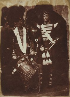 A wonderful early (Adamson) photograph of the 92nd Gordon Highlanders at Edinburgh Castle in 1845, shows a piper