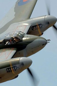 The de Havilland Mosquito was a British (RAF) multi-role combat aircraft with a two-man crew that served during and after the Second World War. Ww2 Aircraft, Fighter Aircraft, Military Aircraft, Fighter Jets, Aircraft Engine, De Havilland Mosquito, V Force, Ww2 Planes, War Machine