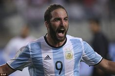 Gonzalo Higuain enjoyed a prolific period at Napoli to pave the way for a move to Juventus