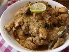 doi murgi  Chicken (curry cut): 1 kg Curd : 3 cups Onion paste : 2-3 tbsp Ginger paste : 2 tsp Few pieces of cloves and cinnamon Bay leaf : one Red chilli powder : 1-2 tsp Cumin powder : 2 tsp  Garam masala powder: 1 tsp Poppy seed paste : 2 tsp Salt and sugar to taste Oil : 3 tbsp