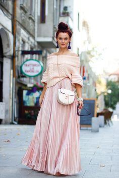 Soft colors #maxiskirt #pink