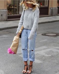 #RIPPED JEANS