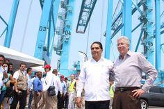 El gobernador de Michoacán realizó con el titular de la SCT, Gerardo Ruiz, una visita de supervisión a la Segunda Terminal Especializada de Contenedores Semiautomatizada de México y Latinoamérica – ...