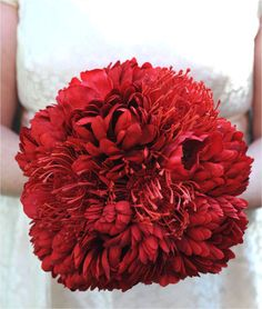 red bridal bouquet. #tulips #mums #ranunculus